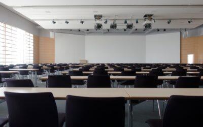 Sådan indretter I optimalt et foredrags- eller mødelokale